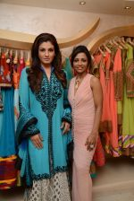 Raveena Tandon at the launch of Dimple Nahar_s 2 Divine lifestyle store in walkeshwar, Mumbai on 20th Dec 2013 (55)_52b5423f1eb23.JPG