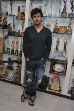Sonu Nigam is the highest award winning singer in Mumbai on 17th Dec 2013 (8)_52b9344cf1f19.JPG