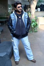 Arshad Warsi promotions for Joe Carvalho film in Mumbai on 24th Dec 2013 (31)_52bab1f1aea70.jpg