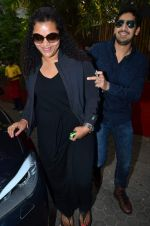 Ayan Mukerji at Shashi Kapoor_s brunch in Mumbai on 25th Dec 2013 (127)_52bbd9d66b9fa.JPG