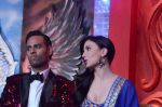 Andy, Elli Avram at Bigg Boss 7 grand finale on 28th Dec 2013 (87)_52bf962124c47.JPG