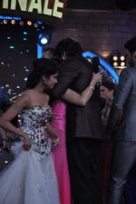 Tanisha Mukherjee at Bigg Boss 7 grand finale on 28th Dec 2013 (16)_52bf97bbb7e7f.JPG