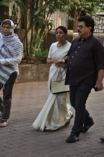 Deepti Naval at Farooq Shaikh_s prayer meet in Mumbai on 30th Dec 2013 (34)_52c2663798467.JPG