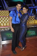 Gurmeet Choudhary,Debina Bonerjee Choudhary at Nach Baliye new year_s celeberations in Mumbai on 30th Dec 2013 (36)_52c2675a308f1.JPG