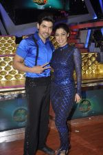 Gurmeet Choudhary,Debina Bonerjee Choudhary at Nach Baliye new year_s celeberations in Mumbai on 30th Dec 2013 (38)_52c2675b337c0.JPG