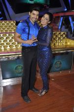 Gurmeet Choudhary,Debina Bonerjee Choudhary at Nach Baliye new year_s celeberations in Mumbai on 30th Dec 2013 (39)_52c2676215dcd.JPG