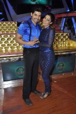 Gurmeet Choudhary,Debina Bonerjee Choudhary at Nach Baliye new year_s celeberations in Mumbai on 30th Dec 2013 (40)_52c26762ad151.JPG