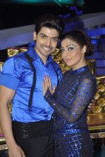 Gurmeet Choudhary,Debina Bonerjee Choudhary at Nach Baliye new year_s celeberations in Mumbai on 30th Dec 2013 (41)_52c2676388514.JPG