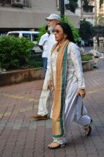 Ila Arun at Farooq Shaikh_s prayer meet in Mumbai on 30th Dec 2013(232)_52c2665199aa5.JPG