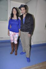 Kashmira Shah and Krishna promote new years bash for Country Club in Andheri, Mumbai on 30th Dec 2013 (3)_52c2647bb0df1.JPG