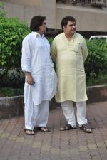 Raza Murad at Farooq Shaikh_s prayer meet in Mumbai on 30th Dec 2013 (28)_52c266a1a758c.JPG