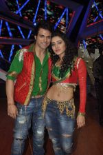 Rithvik Dhanjani, Asha Negi at Nach Baliye new year_s celeberations in Mumbai on 30th Dec 2013 (43)_52c2679b18560.JPG