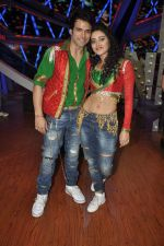 Rithvik Dhanjani, Asha Negi at Nach Baliye new year_s celeberations in Mumbai on 30th Dec 2013 (44)_52c267a297001.JPG