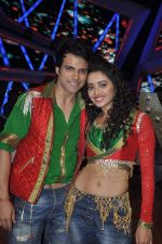 Rithvik Dhanjani, Asha Negi at Nach Baliye new year_s celeberations in Mumbai on 30th Dec 2013 (45)_52c267a3c0021.JPG