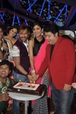 Shilpa Shetty, Sajid Khan, Terence Lewis at Nach Baliye new year_s celeberations in Mumbai on 30th Dec 2013 (23)_52c26842e5a25.JPG