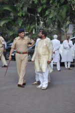 at Farooq Shaikh_s prayer meet in Mumbai on 30th Dec 2013 (15)_52c2661a83143.JPG
