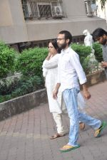 at Farooq Shaikh_s prayer meet in Mumbai on 30th Dec 2013 (2)_52c26615b8e43.JPG