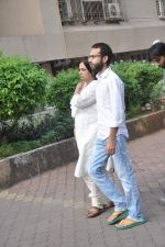 at Farooq Shaikh_s prayer meet in Mumbai on 30th Dec 2013 (3)_52c2661634bfb.JPG