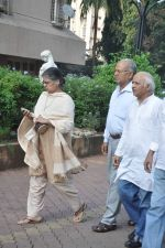 at Farooq Shaikh_s prayer meet in Mumbai on 30th Dec 2013 (5)_52c266170107b.JPG