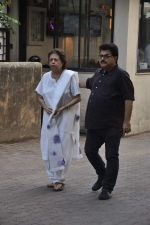 at Farooq Shaikh_s prayer meet in Mumbai on 30th Dec 2013 (69)_52c2662cbca7c.JPG