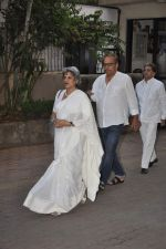 at Farooq Shaikh_s prayer meet in Mumbai on 30th Dec 2013 (92)_52c2663315986.JPG