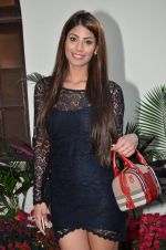 Nicole Faria at RWITC in Mumbai on 5th Jan 2014 (21)_52cabb8a13a44.JPG
