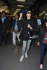 Sushmita Sen snapped at the airport in Mumbai on 5th Jan 2014