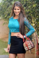 Nicole Faria with Yaariyan Team in Delhi on 6TH jan 2014 (9)_52cc0592c4c84.jpg