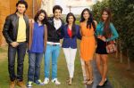 Shreyas Pardiwalla, Himansh Kohli, Rakul Preet, Dev Sharma, Divya Khosla Kumar, Nicole Faria with Yaariyan Team in Delhi on 6TH jan 2014 (13)_52cc0594d7561.jpg