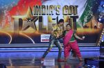 at the Launch of India_s Got Talent in Filmcity, Mumbai on 7th Jan 2014 (37)_52cd33777668d.JPG