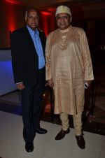 Manmohan Shetty, Kiran Shantaram at Screen Awards Nomination Party in J W Marriott, Mumbai on 7th Jan 2014 (73)_52ce34044a6c1.JPG