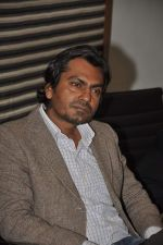 Nawazuddin Siddiqui at the Promotion of Miss Lovely at Buntara Bhavan College on 7th Jan 2014 (121)_52ce3808de91f.JPG