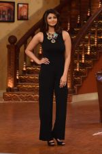 Daisy Shah on the sets of Comedy Nights with Kapil in Filmcity, Mumbai on 9th Jan 2014 (209)_52cfec40911d4.JPG