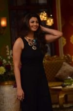 Daisy Shah on the sets of Comedy Nights with Kapil in Filmcity, Mumbai on 9th Jan 2014 (213)_52cfec42048bc.JPG