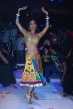 Heena Panchal at Saroj Khan choreograph_s song for Babuji Ek Ticket Bambai in Dahisar, Mumbai on 9th Jan 2014 (66)_52cfea8024bd6.JPG