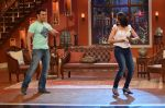 Salman Khan on the sets of Comedy Nights with Kapil in Filmcity, Mumbai on 9th Jan 2014 (138)_52cfeed4cb536.JPG