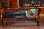 Salman Khan on the sets of Comedy Nights with Kapil in Filmcity, Mumbai on 9th Jan 2014 (50)_52cfeeb8da7e1.JPG