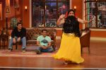 Salman Khan, Daisy Shah, Sohail Khan on the sets of Comedy Nights with Kapil in Filmcity, Mumbai on 9th Jan 2014 (233)_52cfeee760e6d.JPG