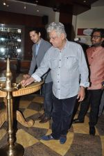 Om Puri at Pratik Sharma_s art event in J W Marriott, Mumbai on 10th Jan 2014 (22)_52d0b3bd67f9a.JPG