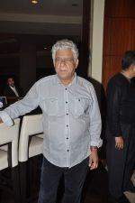 Om Puri at Pratik Sharma_s art event in J W Marriott, Mumbai on 10th Jan 2014 (23)_52d0b3bdd94b7.JPG