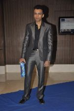 Abhijeet Sawant at singer Toshi Sabri_s wedding reception in Novotel, Mumbai on 13th Jan 2014 (11)_52d4e5df816e7.JPG