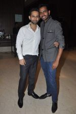Rahul Vaidya at singer Toshi Sabri_s wedding reception in Novotel, Mumbai on 13th Jan 2014 (118)_52d4e6d8cee12.JPG