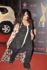 at The Renault Star Guild Awards Ceremony in NSCI, Mumbai on 16th Jan 2014(398)_52d8dbd93847a.JPG