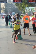 at Standard Chartered Marathon in Mumbai on 19th Jan 2014 (282)_52dbd1331a454.JPG
