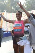 at Standard Chartered Marathon in Mumbai on 19th Jan 2014 (290)_52dbd135df8ea.JPG