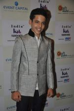 Darsheel Safary at Kids fashion week in Mumbai on 19th Jan 2014 (52)_52dcb521e993f.JPG