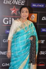 Asha Bhosle at 4th Gionne Star Global Indian Music Academy Awards in NSCI, Mumbai on 20th Jan 2014 (288)_52de208e7b118.JPG