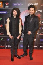 Shreyas Pardiwalla, Himansh Kohli at 4th Gionne Star Global Indian Music Academy Awards in NSCI, Mumbai on 20th Jan 2014 (321)_52de356c3f375.JPG