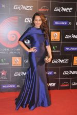 Sonakshi Sinha at 4th Gionne Star Global Indian Music Academy Awards in NSCI, Mumbai on 20th Jan 2014 (348)_52de358307fb9.JPG