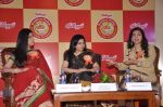 Juhi Chawla and Sakshi Tanwar at Kellogs event in Taj, Mumbai on 21st Jan 2014 (21)_52df68a2181d0.JPG